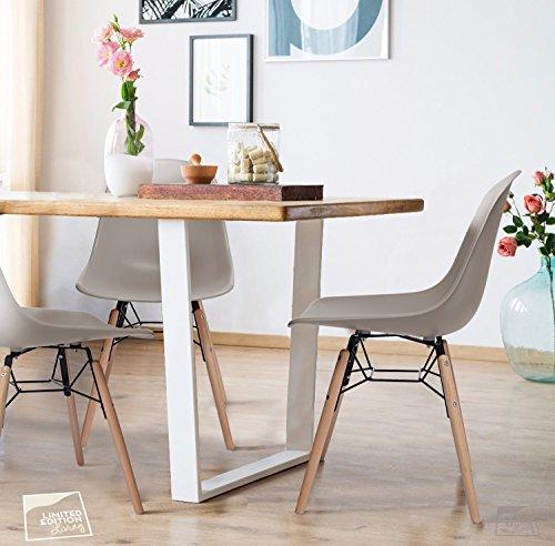 4er set charley2 0 esszimmer stuhl mild grau matte kunststoff mit buche holzbeine massiv holz. Black Bedroom Furniture Sets. Home Design Ideas