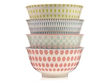 Bluespoon Geschirrset 'Scandinavia Line' aus Porzellan 12 teilig | Geschirrservice mit 4 Speise-, 4 Desserttellern sowie 4 Schalen á 600ml | Angesagtes Tafelservice in bunt bedrucktem Vintage Design -